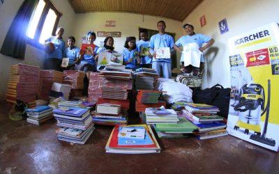 Des dons de livres pour les enfants des rues