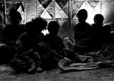 Une famille à la rue - photo Safidy Andrianantenaina / zanaky-ny lalana