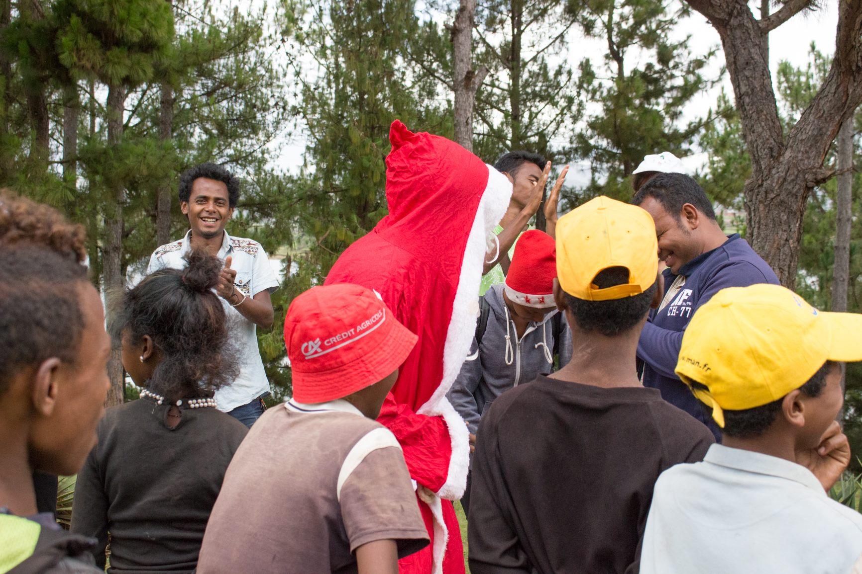 20 décembre 2017 - Journée de Noël équipe Grandira et enfants à Andraikiba
