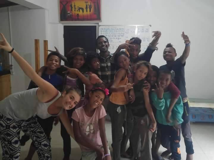 Avec les enfants du CHT