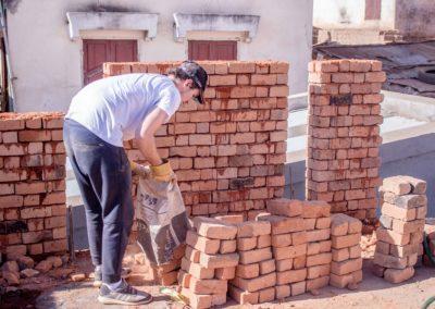 Le 26 juillet 2018 - Transport de briques
